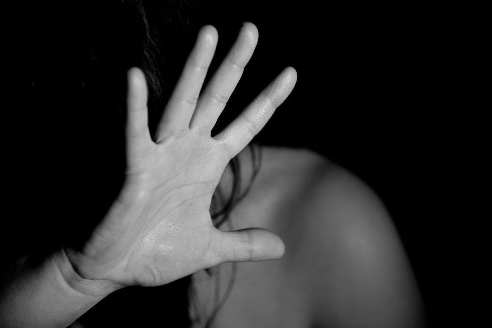 Kom ur våldsamma förhållande genom kvindekrisecenter